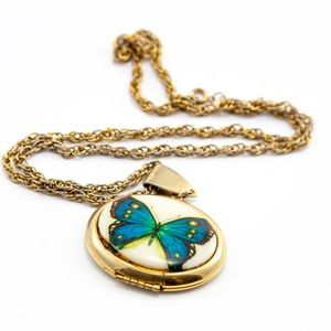 Jewelry - Vintage Butterfly Locket